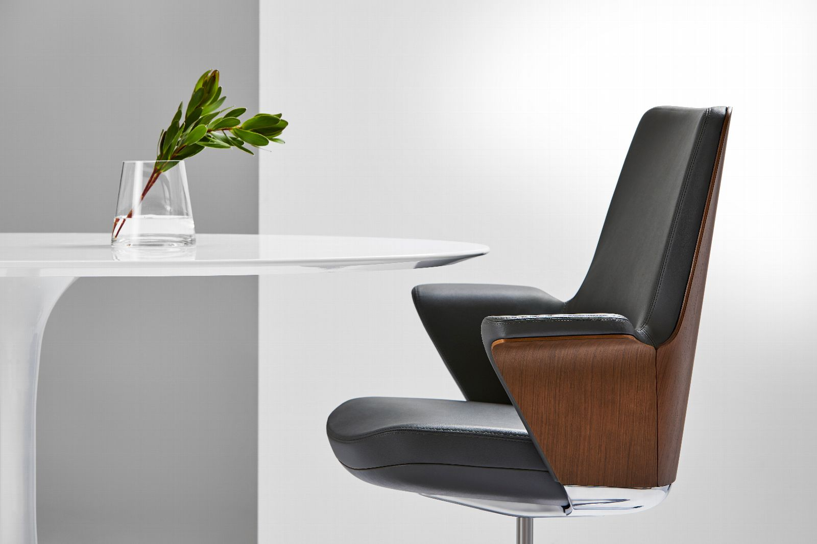 Humanscale's Summa Executive Chair is Now Ready to Order